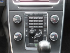 Volvo-V60-17