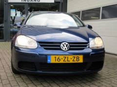 Volkswagen-Golf-1