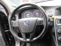 Volvo-V60-14