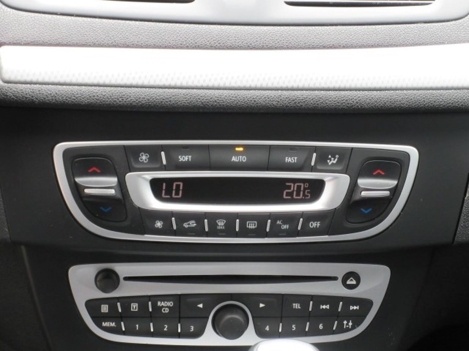 Renault-Mégane-16