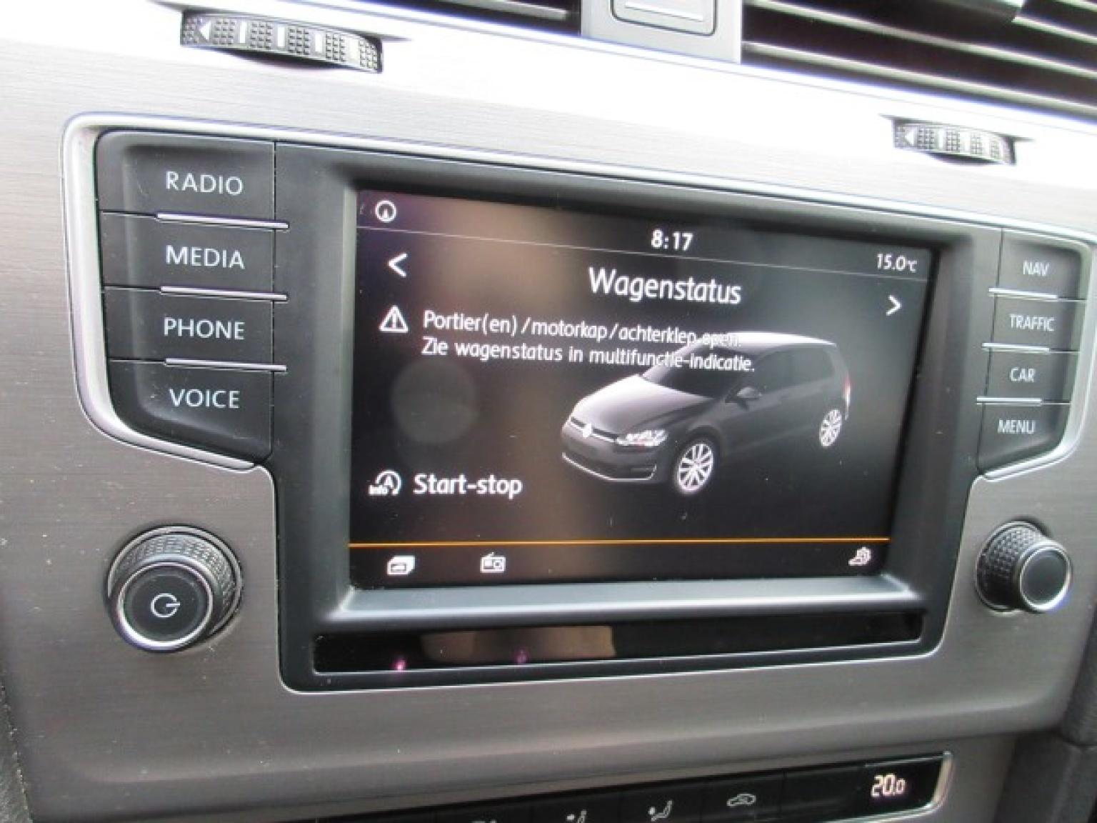 Volkswagen-Golf-28